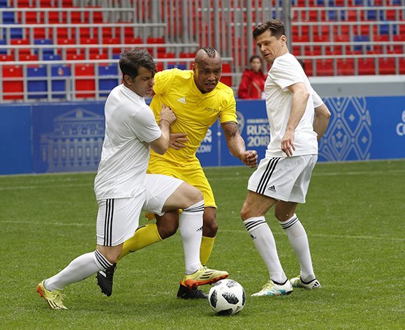 Former Senegal's player El Hadji Diouf (C) in action during a friendly soccer tournament between FIFA Congress Delegation members and FIFA Legends ahead the FIFA World Cup 2018, at CSKA stadium in Moscow, Russia, 12 June 2018. The FIFA World Cup 2018 will take place in Russia from 14 June till 15 July 2018.  EPA/SERGEI CHIRIKOV