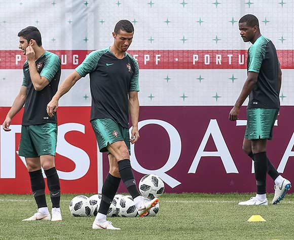 Portugal´s national team player Cristiano Ronaldo (C), Gonçalo Guedes (L) and William Carvalho (R) during the training session at the Kratovo training camp. Portugal will face Morocco on 20 June in a FIFA World Cup 2018 group B preliminary round soccer match. EPA/Paulo Novais