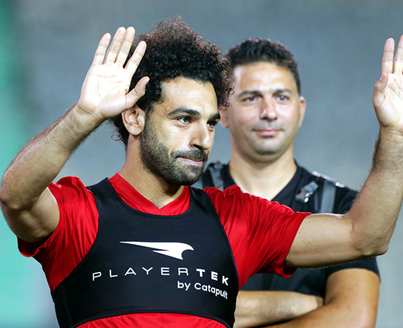 Egyptian national soccer team striker Mohamed Salah (L)
