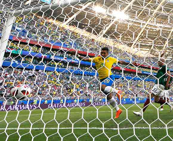 Roberto Firmino (C) of Brazil scores the 2-0 during the FIFA World Cup 2018 round of 16 soccer match between Brazil and Mexico in Samara, Russia, 02 July 2018. EPA/Sergey Dolzhenko